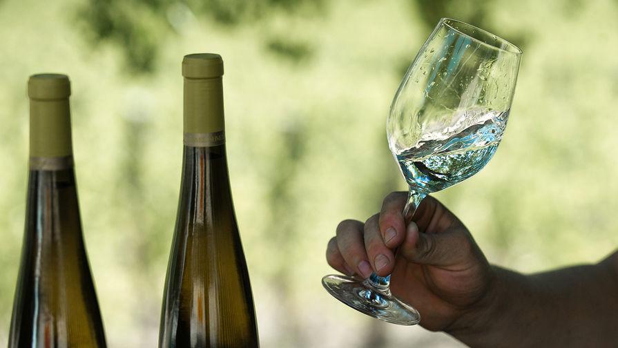 В Роскачестве дали рекомендации по выбору белого вина
