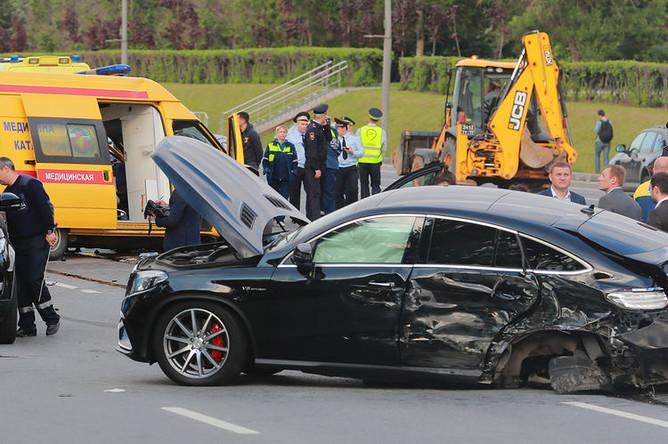 Место столкновения семи автомобилей на Кутузовском проспекте в Москве, 22 мая 2018 года