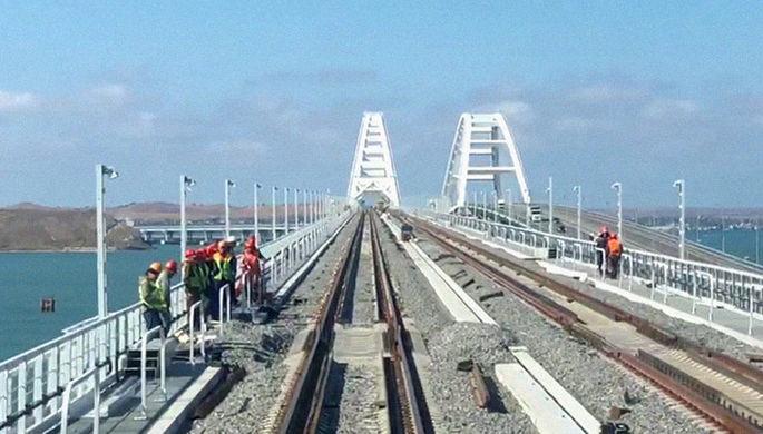 Вид на железнодорожную часть Крымского моста, 24 сентября 2019 года