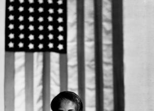 Гордон Паркс. Американская готика, Вашингтон, округ Колумбия, 1942. © The Gordon Parks Foundation