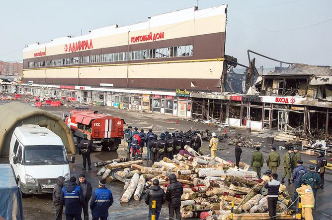 Во время разбора завалов в торговом центре «Адмирал»