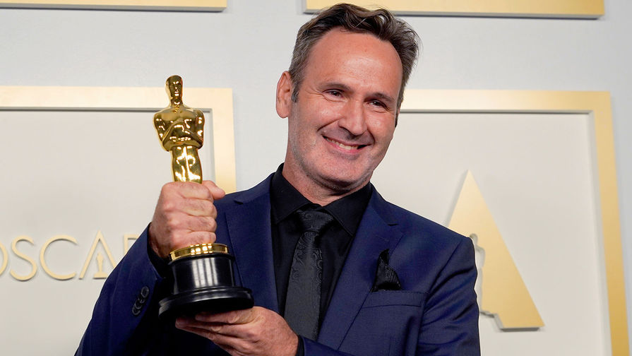 Номинация <b>&laquo;Лучшие визуальные эффекты&raquo;</b> &mdash; фильм <b>&laquo;Довод&raquo; </b>. На фото специалист по спецэффектам Скотт Р. Фишер