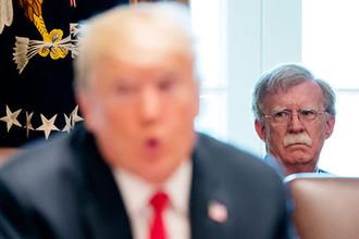 Президент США Дональд Трамп и советник по национальной безопасности Джон Болтон во время мероприятия в Белом доме, 16 августа 2018 года