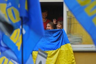 Горожане во время «Марша героев» в Киеве