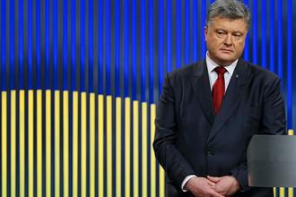 «Придет время»: Порошенко пообещал поднять флаг Украины над Донецком