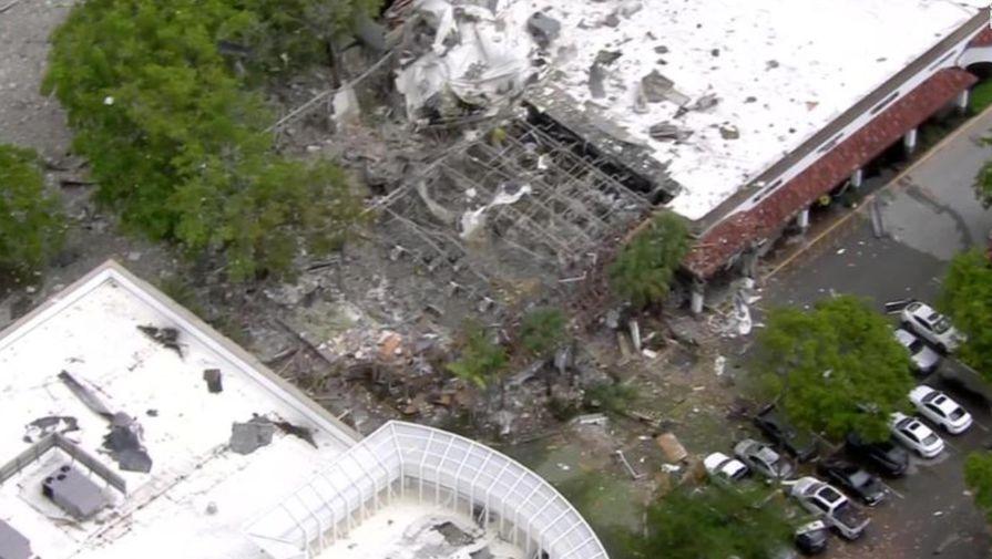 23 человека пострадали при взрыве в торговом центре во Флориде