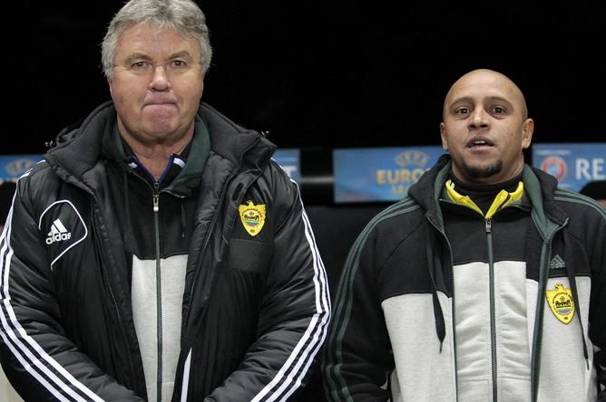 Роберто Карлос (справа) был помощником Гуса Хиддинка не только на поле