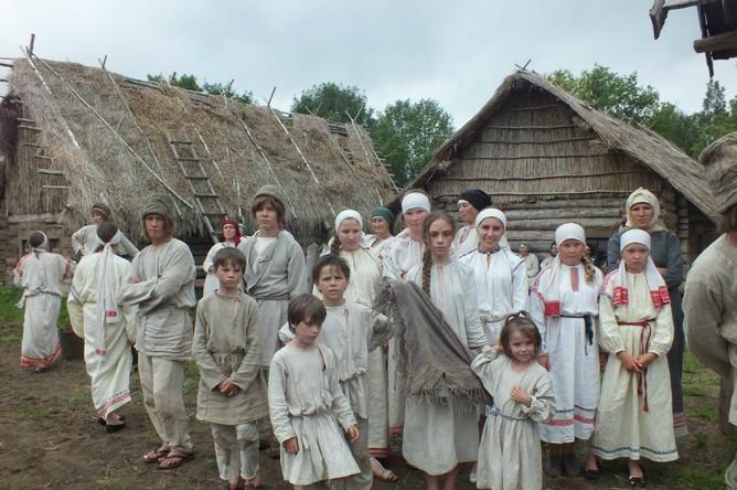 Почти вся детвора этой многодетной семьи снялась в «Василисе»