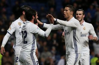Мадридский «Реал» отстает от «Барселоны» на одно очко, но имеет матч в запасе