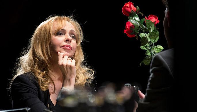 Актриса Анжелика Волчкова в спектакле-импровизации «Подслушанное, подсмотренное...