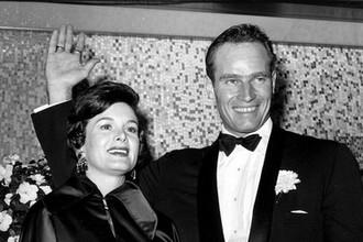 Лидия Кларк Хестон с супругом Чарльтоном во время премьеры Бен-Гур в Нью-Йорке, 1959 год