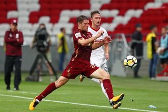 Руслан Камболов (на переднем плане) против Антона Миранчука