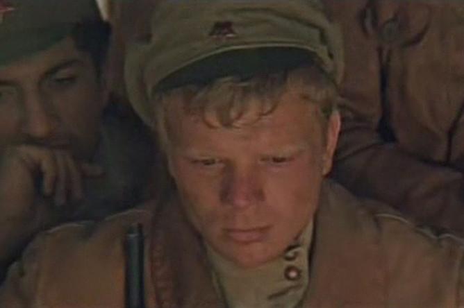 Николай Годовиков в фильме «В черных песках» (1972)