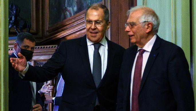Министр иностранных дел России Сергей Лавров и верховный представитель Евросоюза по иностранным делам и политике безопасности Жозеп Боррель во время встречи в Москве, 5 февраля 2021 года