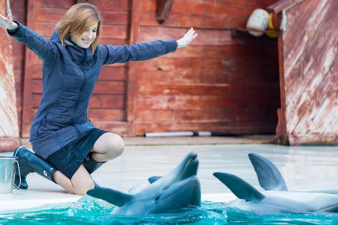 Прокурор Крыма Наталья Поклонская в дельфинарии в Симферополе, март 2016 года