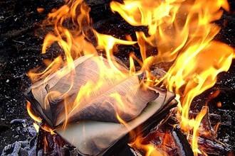 За коран, сожженный пастором Терри Джонсом в Америке, заплатили своими жизнями сотрудники миссии ООН в Афганистане