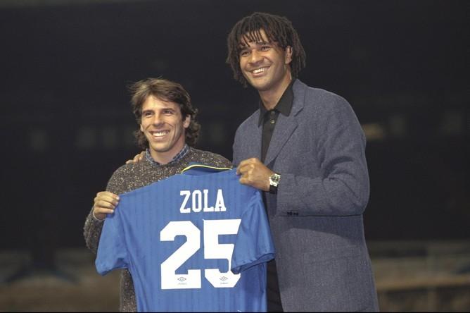Рууд Гуллит (справа) привел в «Челси» Джанфранко Дзолу и других звездных игроков