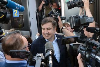 Экс-президент Грузии, бывший губернатор Одесской области Михаил Саакашвили на железнодорожном вокзале в польском Пшемышле