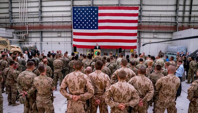 Госсекретарь США Майк Помпео на авиабазе Баграм в Афганистане, 2018 год