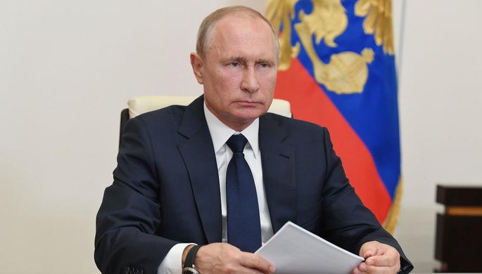 Колонка Путина, День медработника и бедлам в США: что пишут в телеграм-каналах