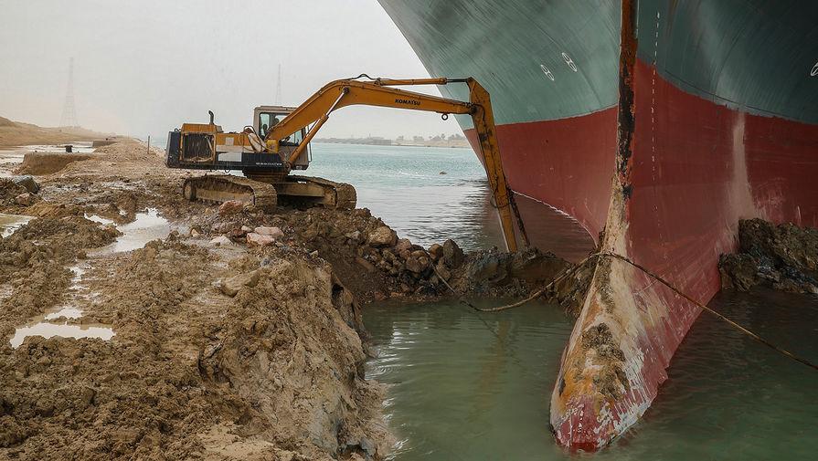 Ситуация в Суэцком канале, где на мель сел контейнеровоз Ever Given, 25 марта 2021 года