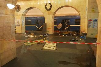 Станция метро «Технологический институт» в Санкт-Петербурге после взрыва в вагоне поезда, 3 апреля 2017 года