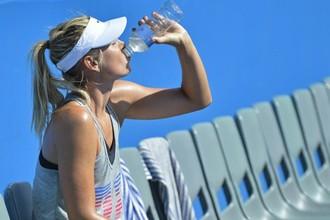Мария Шарапова во время тренировки перед Australian Open
