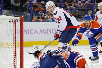 Евгений Кузнецов сделал первый хет-трик в НХЛ