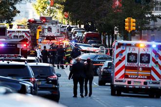 Экстренные службы на месте происшествия на Манхэтенне в Нью-Йорке, 31 октября 2017 года