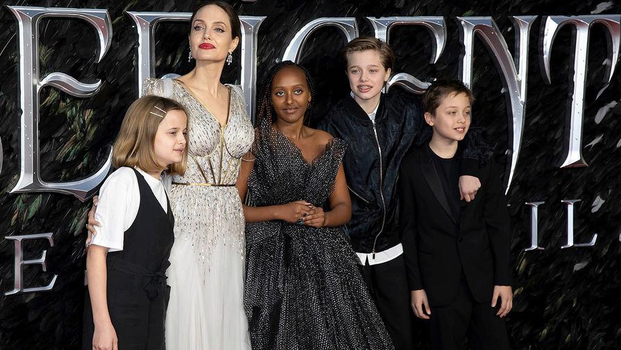 Анджелина Джоли с детьми, 2019 год