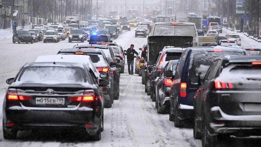 Во время снегопада в Москве, 12 февраля 2021 года