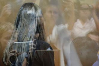 Одна из сестер Хачатурян в зале Останкинского суда Москвы во время избрания меры пресечения, 2 августа 2018 года