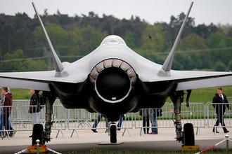 Истребитель-бомбардировщик Lockheed Martin F-35 на авиашоу в Берлине, 2018 год