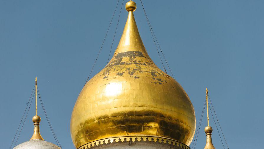 Вид на купола Успенского собора, 13 августа 2017 года