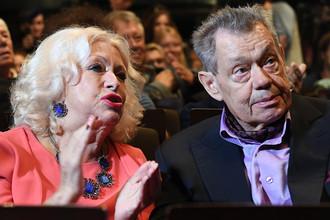 Актер Николай Караченцов с супругой Людмилой Поргиной во время сбора труппы театра «Ленком», 4 сентября 2017 года