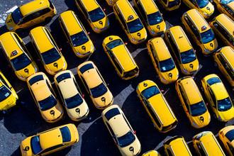 «Люди уйдут к бомбилам»: нужна ли России реформа такси