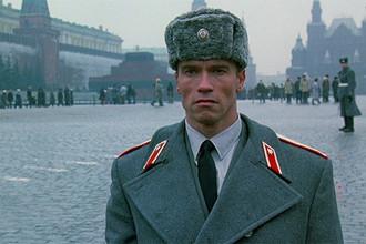 Арнольд Шварценеггер в фильме «Красная жара» (1988)