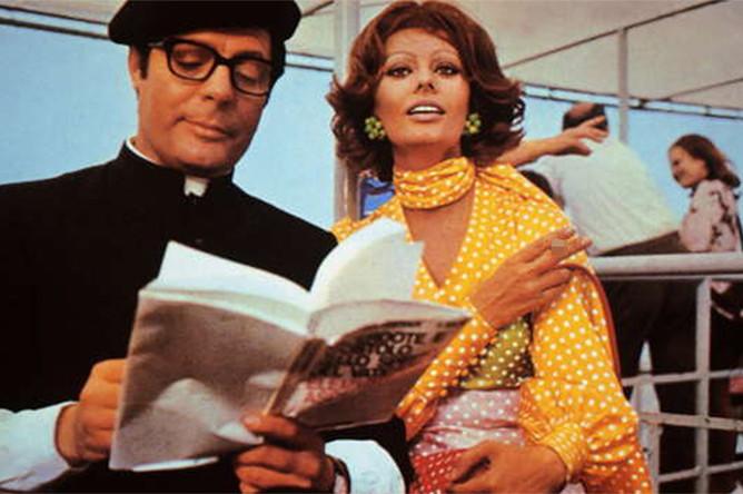 Софи Лорен в сцене из фильма «Жена священника», 1970 год
