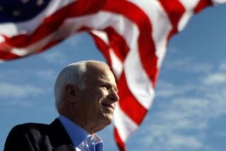 Кандидат в президенты США от Республиканской партии Джон Маккейн во время мероприятия кампании в Тампе, штат Флорида, 2008 год