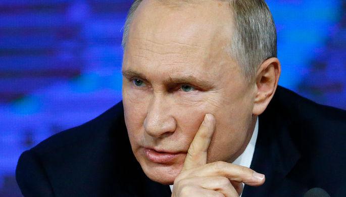Президент России Владимир Путин во время ежегодной большой пресс-конференции в Москве, 20 декабря 2018 года