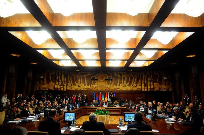Заседание Советов министров иностранных дел, обороны и Комитета секретарей Совбезов...