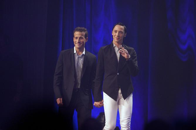 Джонни Вейр (слева) с супругом Виктором Вороновым.