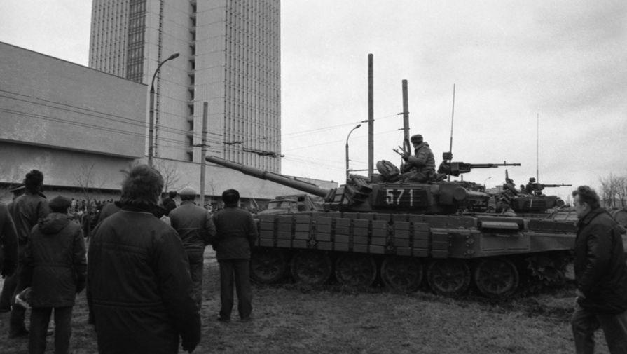 Десантники у Дома печати в Вильнюсе, 12 января 1991 года