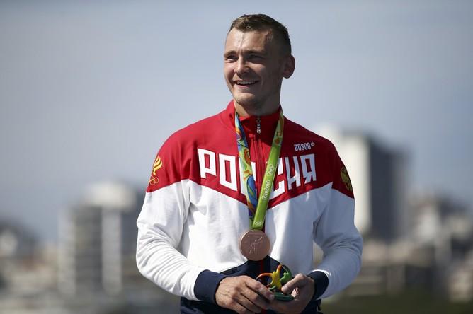 Россиянин Роман Аношкин взял бронзу в гонке на байдарках-одиночках на дистанции 1000 м. Первым к финишу пришел испанец Маркус Вальс