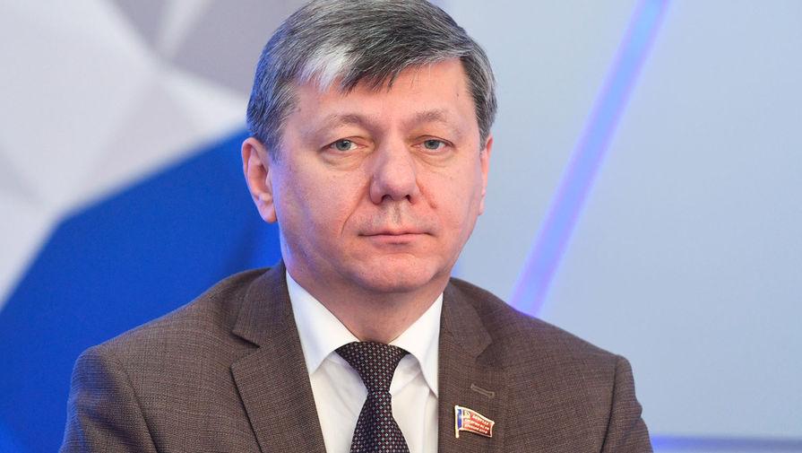 Депутат Госдумы Новиков подтвердил наличие коронавируса и госпитализацию