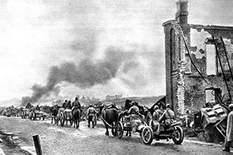 Войска Красной армии вступают в город Ельню