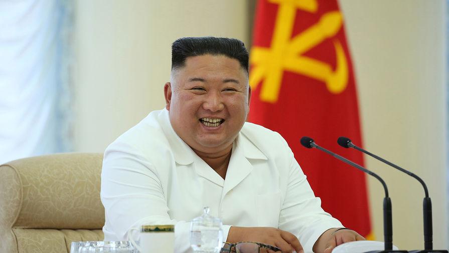 Ким Чен Ын появился на публике в необычном наряде