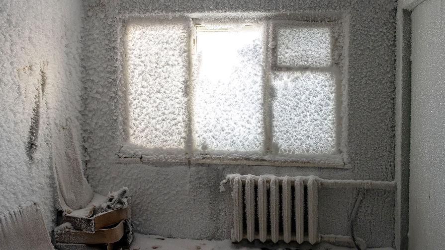 Комната в одном из домов заброшенного поселка Цементнозаводский