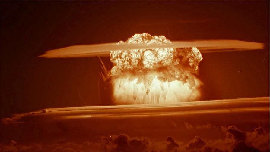Гриб после взрыва «Царь-бомбы»