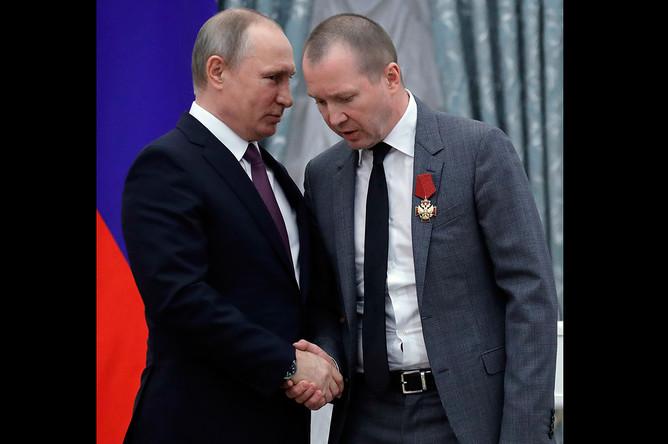 Владимир Путин и Евгений Миронов на церемонии вручения государственных наград РФ в Кремле